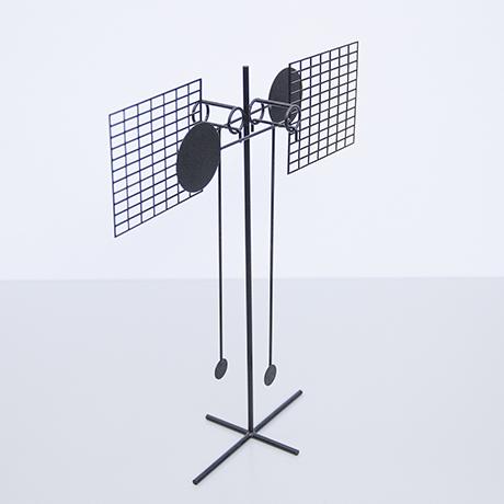 Arnulf-Hoffmann-pendulum-object-black-iron