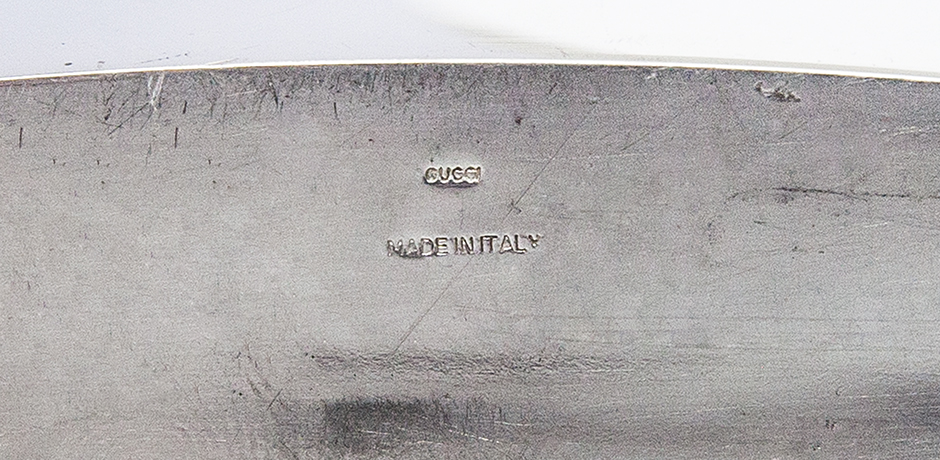 Gucci-table-clock-silver-signed