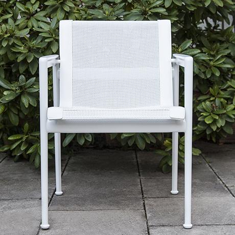 Richard-Schulz-chairs-white-aluminium-outdoor