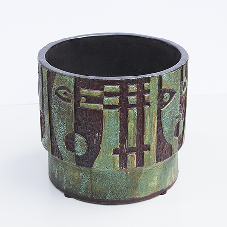 Schäffenacker-ceramic-planter-faces-germany