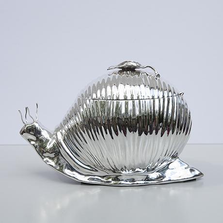 Teghini-snail-cooler-centerpiece-vintage