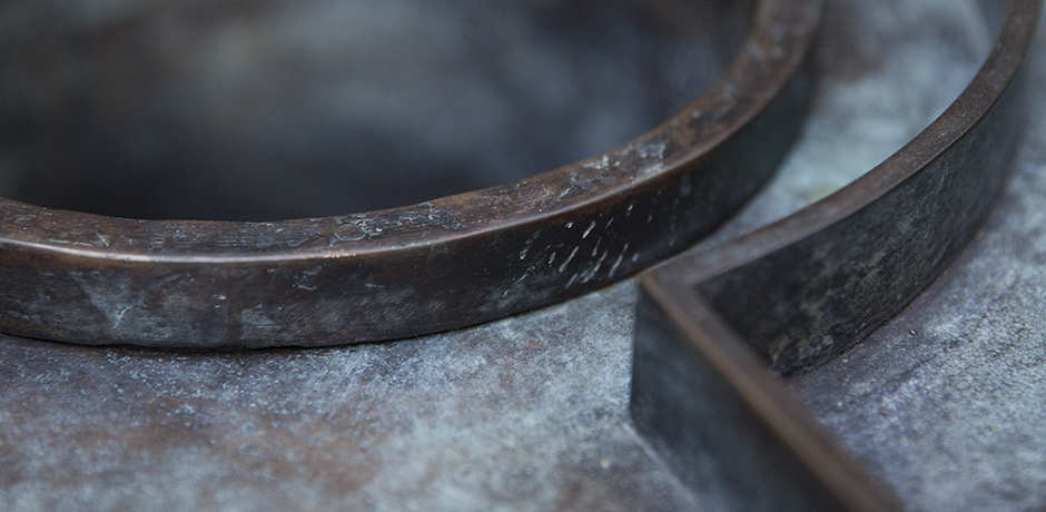 bronze-side-table_6