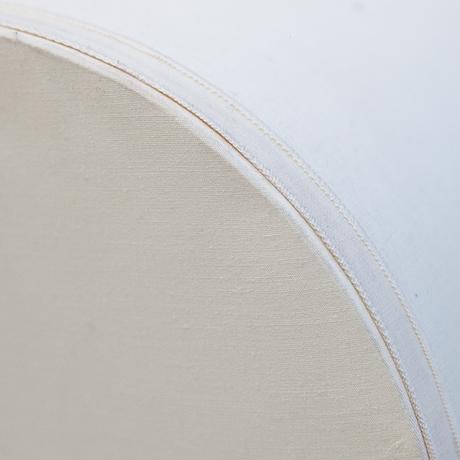 Tischlampe-lampe-blume-weiss-stoff