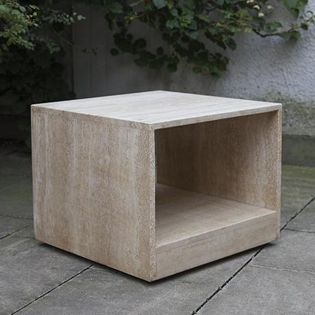 Schlichtes Designtravertine-table-beistelltisch-wheels