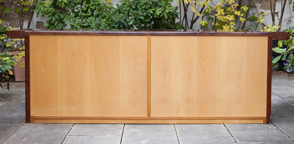 Aldo-Tura-sideboard-tobacco-doors
