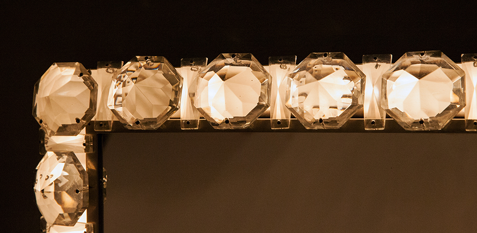 Bakalowits-Backlit-wandspiegel-glas-leuchter