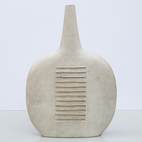 Bruno-Gambone-vase-ceramic-greige-striped