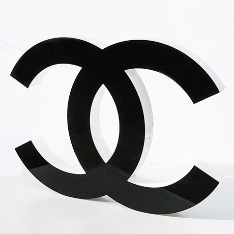 Coco-Chanel-buchstabe-schwarz