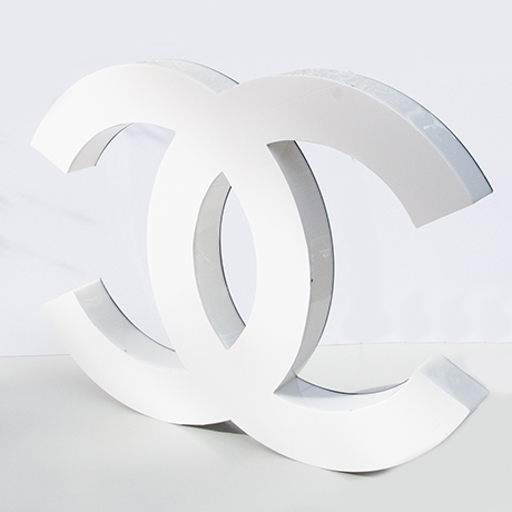 Coco-Chanel-letter-advertising-sign