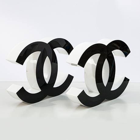 Coco-Chanel-buchstaben-schwarz-weiss