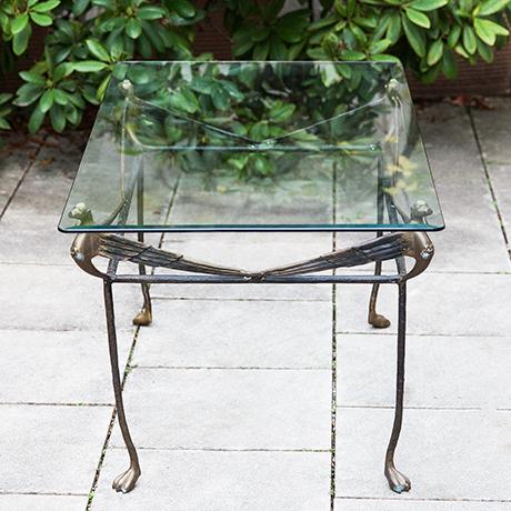 Giacometti-loewe-tisch-beistelltisch-glas