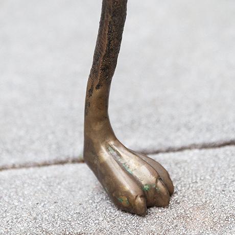 Giacometti-coffee-table-lion-paws