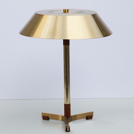Hammerborg-table-lamp-brass-president
