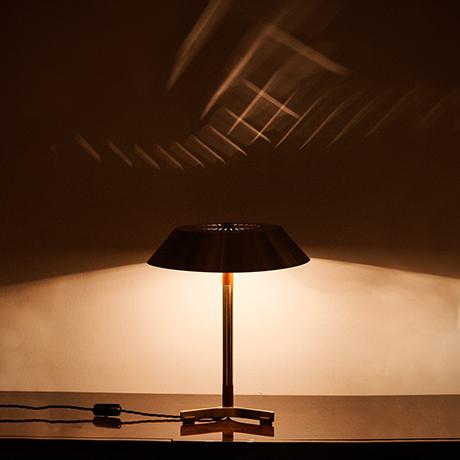 Hammerborg-table-lamp-model-president