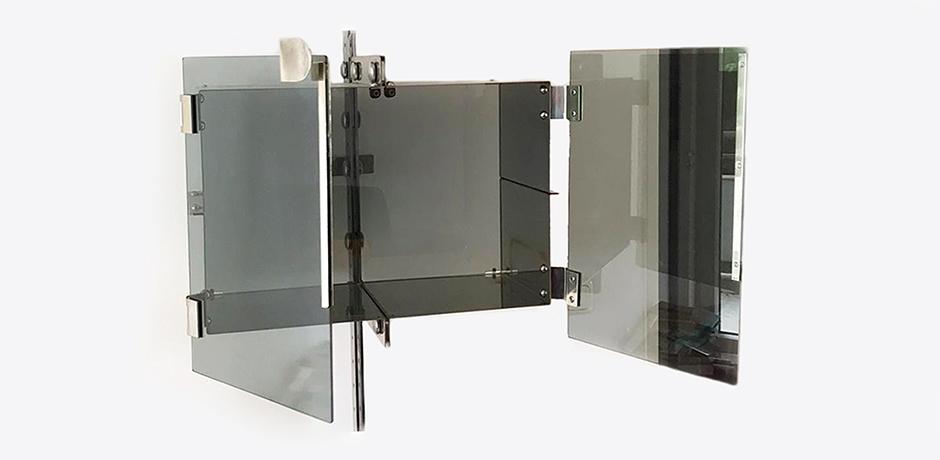 Vittorio-Introini-shelves-Saporiti-stainless-steel