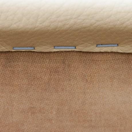 Osvaldo-Borsani-dining-chairs-walnut-cream-leather