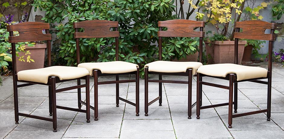 Osvaldo-Borsani-dining-chairs-wooden-interior