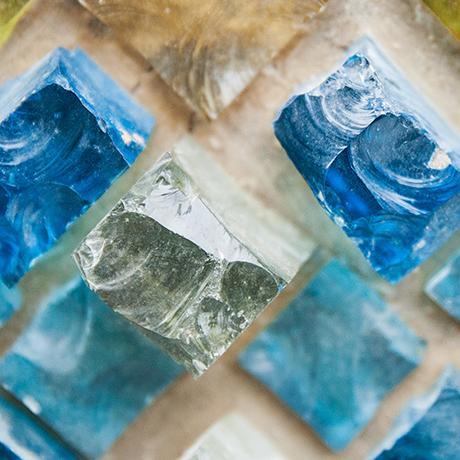 wall-lights-stones-glass-cut
