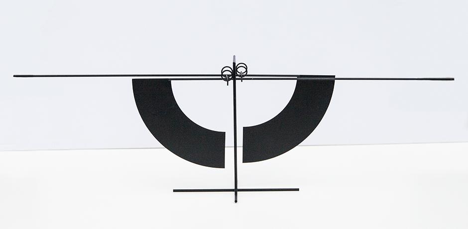 Arnulf-Hoffmann-kinetic-table-sculpture-black