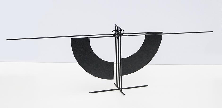 Arnulf-Hoffmann-kinetic-desk-object