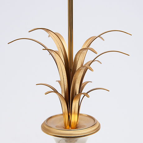 Boulanger-tischlampe-lampe-goldene-blaetter