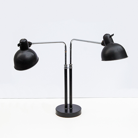 Schlichtes DesignChristian-Dell-Kaiser-table-lamp-black-bauhaus
