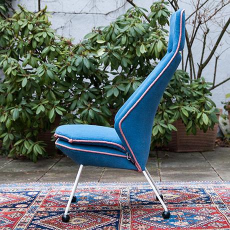 Easy-chair-blue-fabric-iron-base