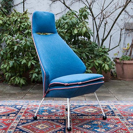 Easy-chair-blue-fabric-seating