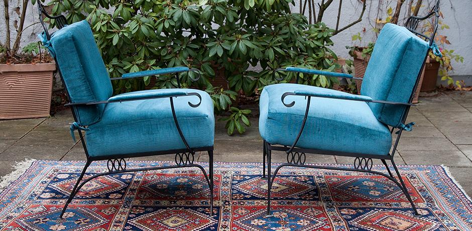 Schlichtes DesignSessel-blau-samt-vintage
