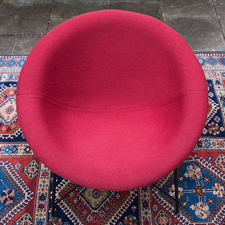 Eddi-Harlis-Kaufeld-shell-chairs-red