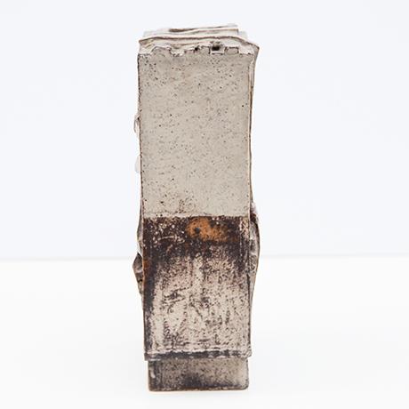 Heidi-Kippenberg-vase-vessel-ceramic-brutalist