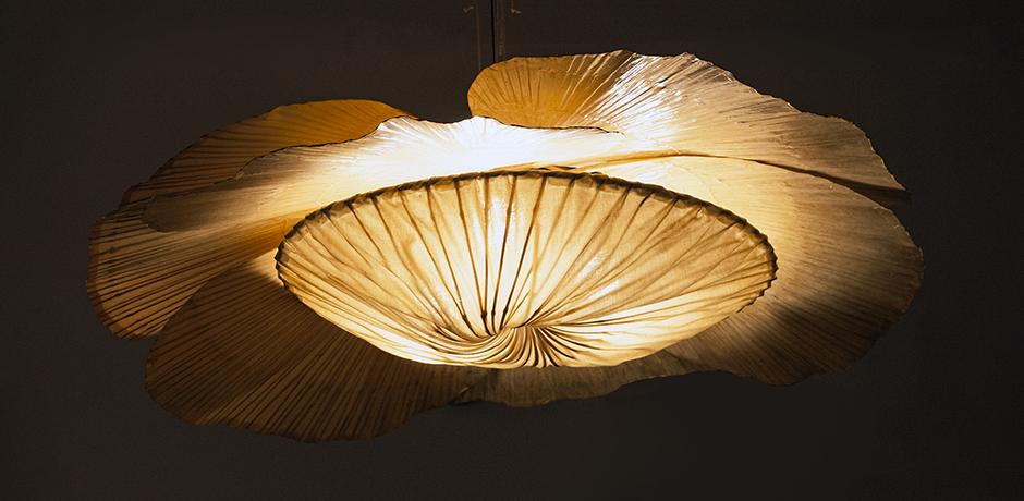 Ingo-Maurer-Uchiwa-chandelier-bamboo-hana-lamp