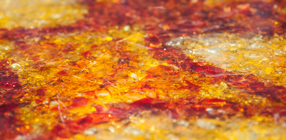 Accolay-Lighting-Bar-Table-resin-red-yellow