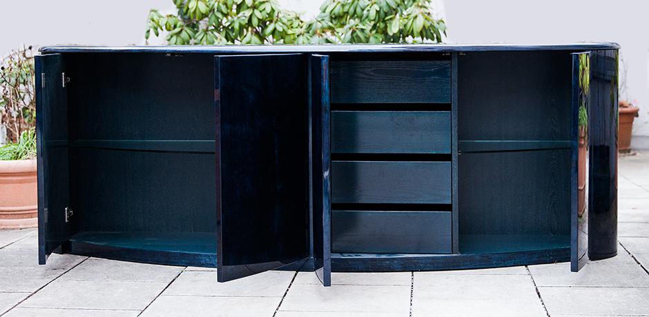 Aldo-Tura-sideboard-blue-interior-vintage