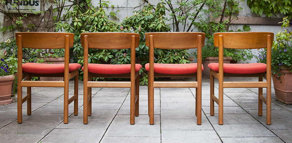Borge-Mogensen-Oak-Dining-Chairs-bench-red