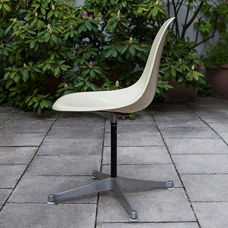 Charles-Eames-chair-chair-swivel-beige