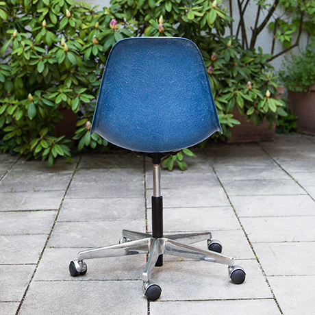 Charles-Eames-chair-stool-adjustable-blue
