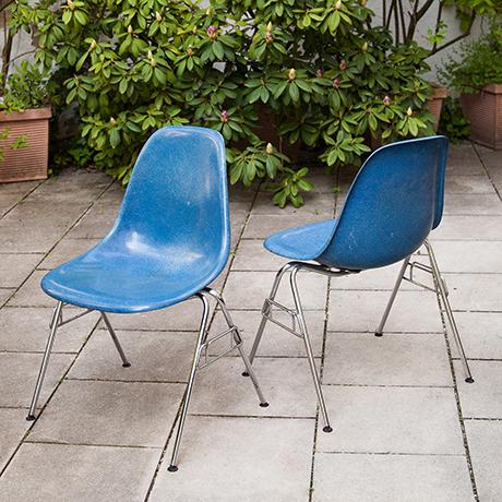 Charles-Eames-chairs-fiberglass-blue-Miller