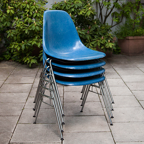 Charles-Eames-stacking-chairs-fiberglass-blue