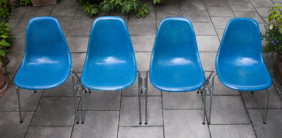 Charles-Eames-side-chairs-vitra-blue