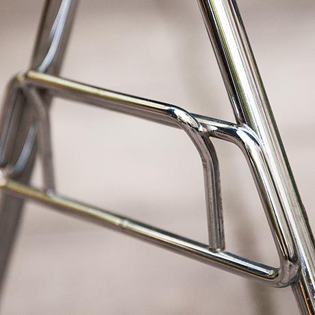 Charles-Eames-chairs-fiberglass-blue-vintage