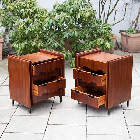 Gianfranco-Frattini-nightstands-wooden-italy