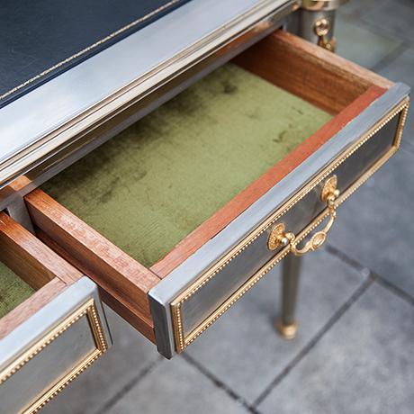 John-Vesey-desk-drawers-table