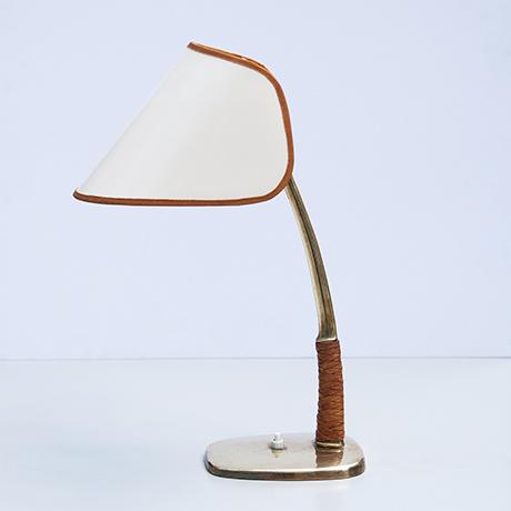 Kalmar-Lampe-Tischlampe-Arnold-messing
