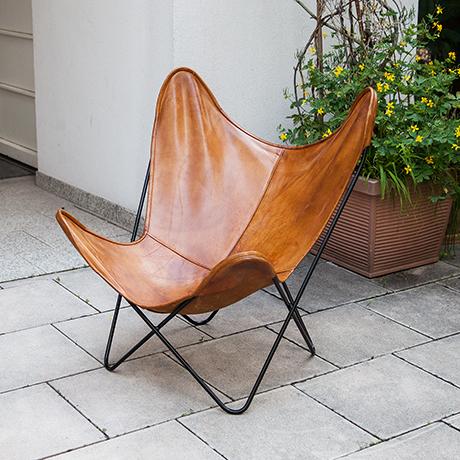 Schlichtes DesignKnoll-International-butterfly-chair-leather-brown