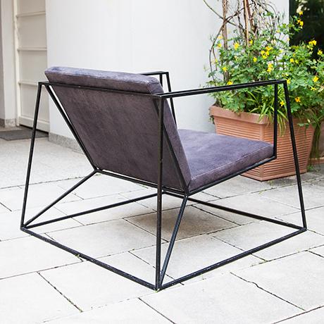 minimalistisch-Sessel-lila-sitzmoebel