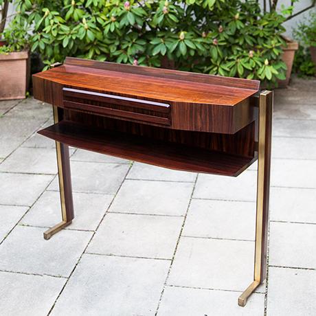 Schlichtes Designconsole-wooden-walnut-italy