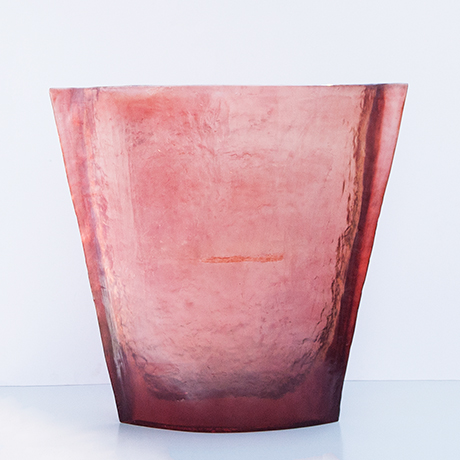 vase-red-pink-monumental-acrylic